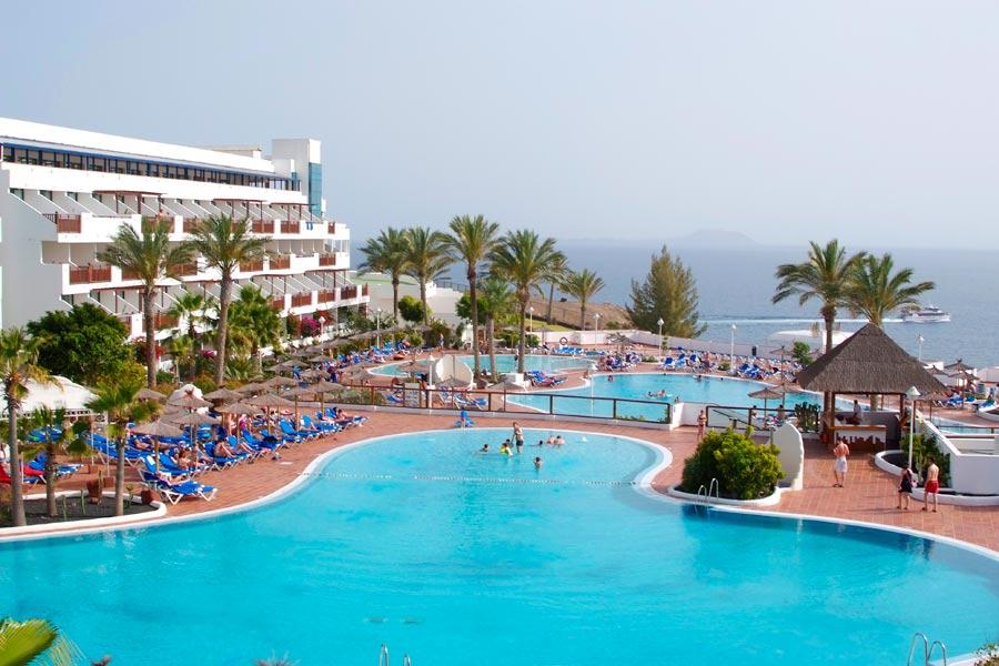 Lanzarote. Bikefriendly tours and hotels