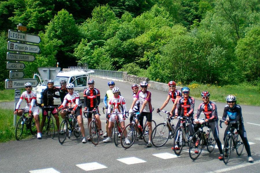 Tour de Francia. Viaje sen bici Bikefriendly - ciclistas posando