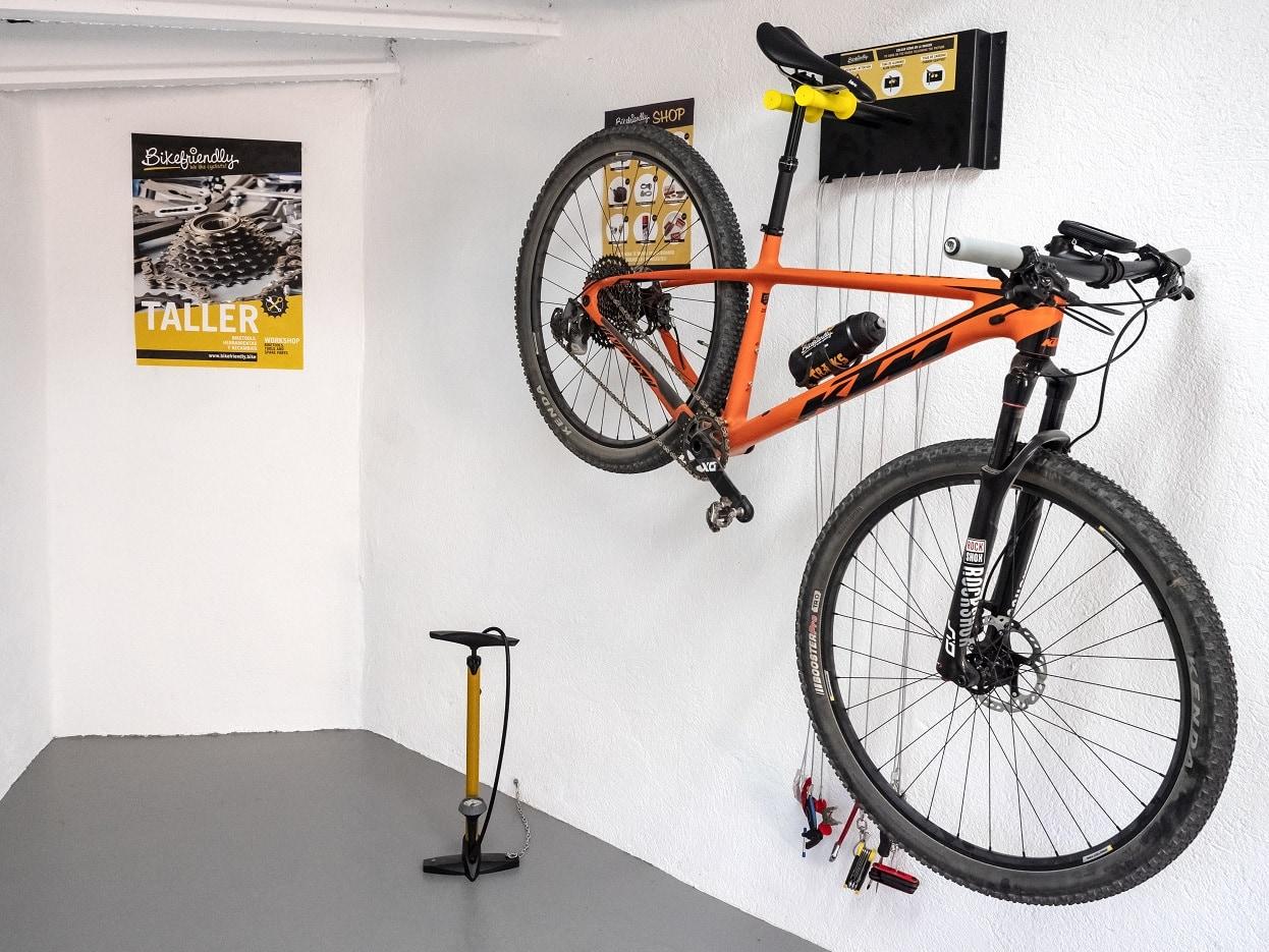 Biketool con soporte y herramientas para la bici de Bikefriendly