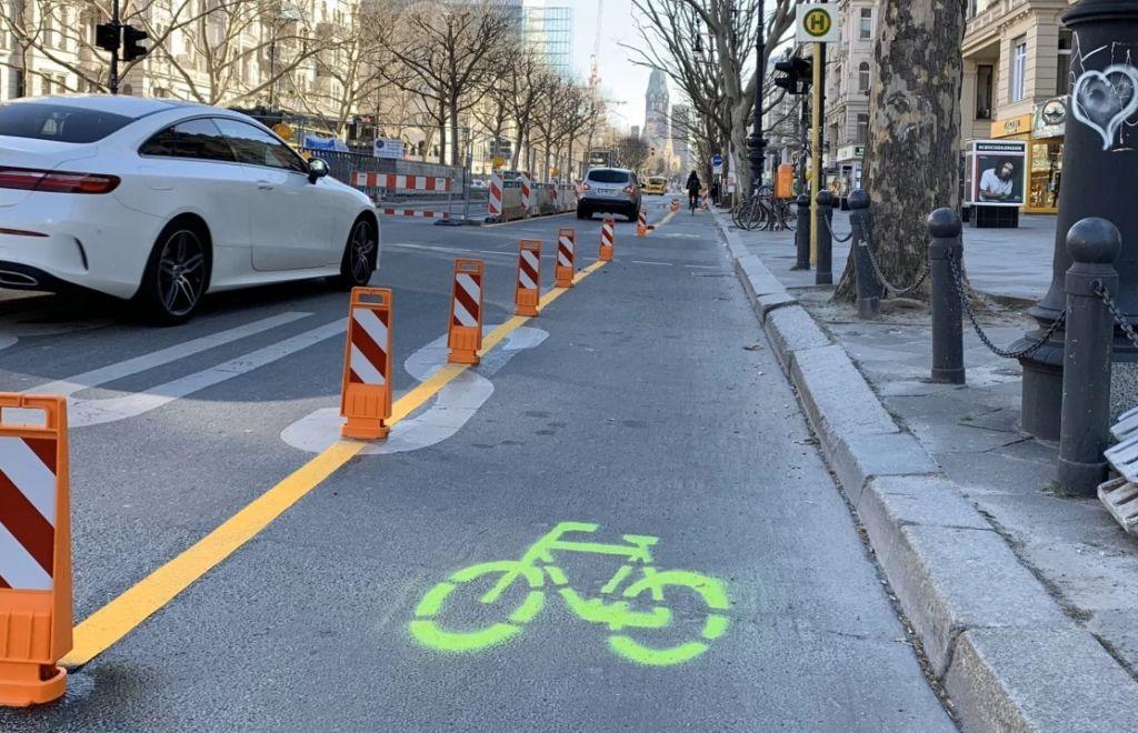 Medidas urgentes de movilidad activa en la ciudad - carril bici temporal