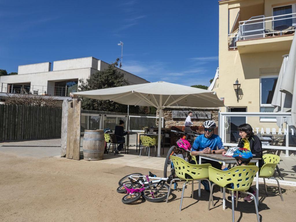 Hostal La Fosca - Alojamiento Bikefriendly en Palamós
