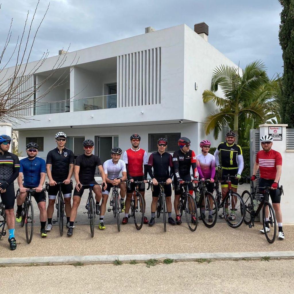 Ciclistas Grupo Mimar