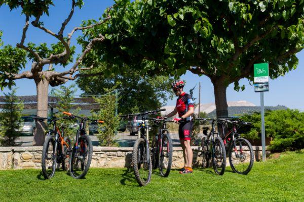 Mas de la Sala cuenta con zona de aparcamiento de bicicletas